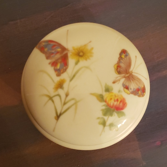 Vintage Footed Floral Butterfly Trinket Box w/Lid